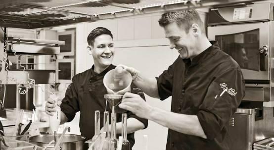 Lukas-Gstir-Sous-Chef-im-Silvio-Nickol-Gourmet-Restaurant-(c)-Palais-Coburg