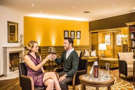 Valentinstag Romantik im Genießerzimmer Bibliothek im Steigenberger Hotel and Spa Krems