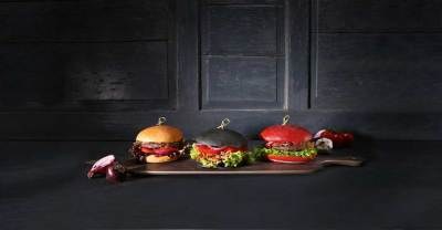 Echter Blickfang: Die farbenfrohen Burgerweckerl sorgen für Abwechslung auf dem Teller.