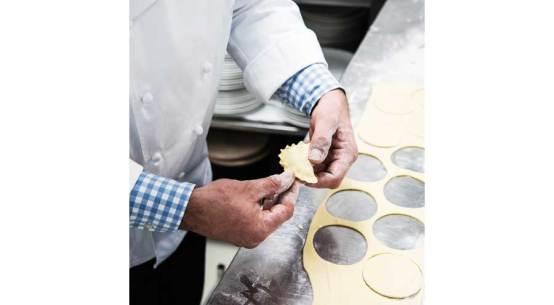Bärlauch-Tascherl mit Wachtelei Rezept Cuisino