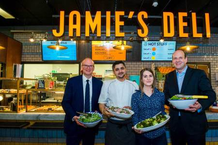 Jamie Oliver Restaurant am Flughafen Wien eröffnet