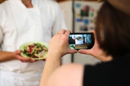 Mit einem kurzen Bewerbungsvideo können Gastronomen ihr Lokal präsentieren und die Einzigartigkeit ihres Konzepts veranschaulichen.