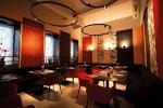 1000 Tische & Stühle für asiatischen Hochgenuss