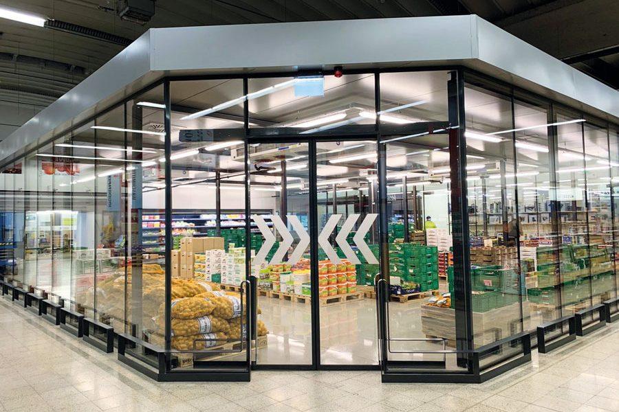 Der neue Glaskobel für Frischeprodukte der Obst & Gemüse-Welt im C+C Markt Villach Bildcredit: Handelshaus WEDL