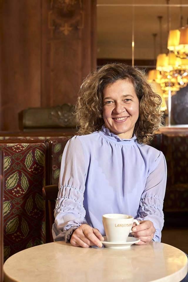 Test & Torte im Café Museum Irmgard Querfeld versucht mit dem Testangebot die derzeit zwangsweise leeren Räume des Café Museum sinnvoll zu nutzen.
