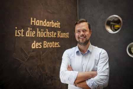 """persönliche Kundenbetreung Anton Haubenberger: """"Unsere Kundenmanager sind persönlich vor Ort und sorgen dafür, dass die Gastronomen bzw. Hoteliers optimal beraten und betreut werden."""""""