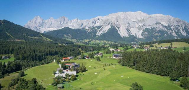 Neues Online-Portal für Golfhotels Das Hotel Kobaldhof in Ramsau am Dachstein ist eines der Top-Golfhotels in Österreich.
