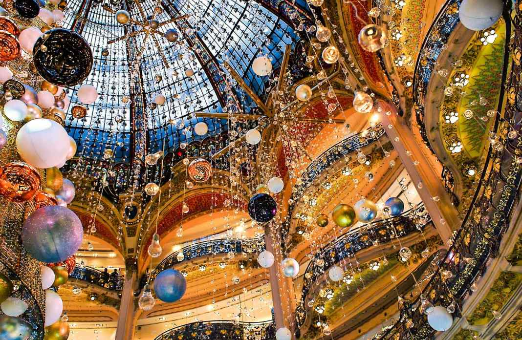 Christmas in Paris: #paris #christmas #whattosee #france #europe t #travel #travelblog #travelguide #tips #attractions #sightseeing #foodies #decorations #xmas #lights #decorations