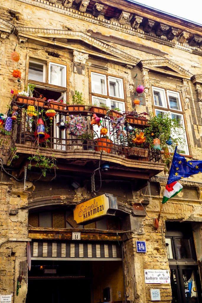 Ruin Bars in Budapest district 7  - #bar #ruinbar #ruinpub #budapest #europe #hungary #travel #travelblog #szimpla