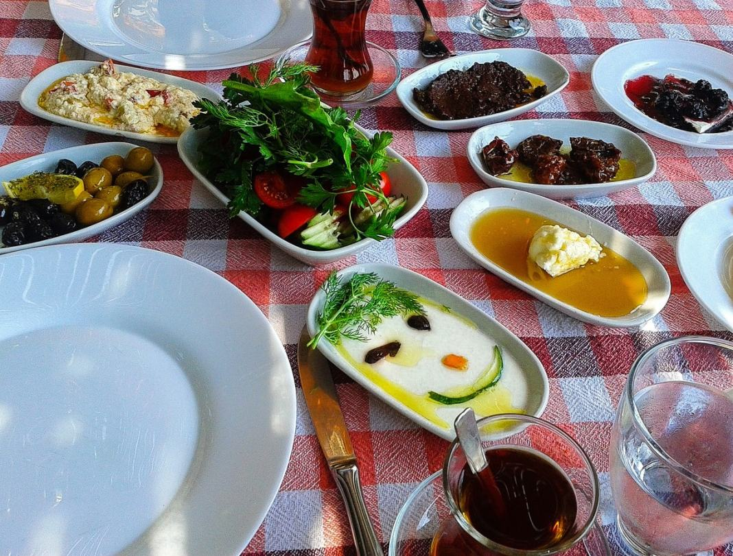 A complete guide to Goreme Cappadocia #Cappadocia #Turkey #balloon #tips #travel #adventure #ballooning #Turkeytravel #goreme #food #foodie #thingstodo