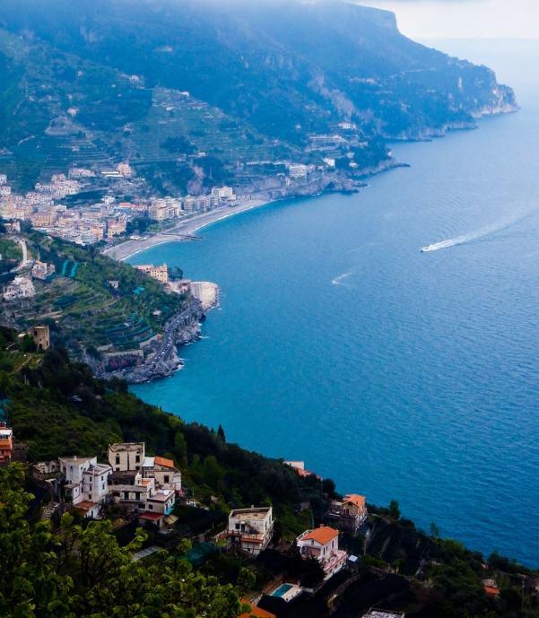 Beautiful places on the Amalfi Coast- #amalficoast #italy #southernitaly #coast #beach #travel #positano #sorrento #amalfi #ravello #sights #roadtrip #atrani #whentogo