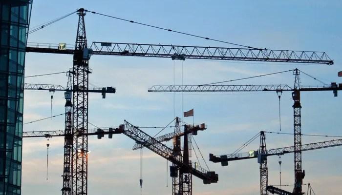 image of Gruás en construcción mercado inmobiliario en argentina