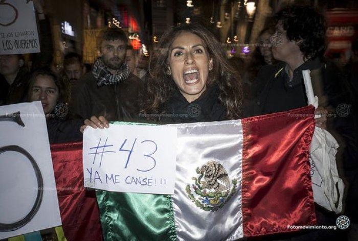 Autor: Fotomovimiento. Momento de una de las protestas por la desaparición de los estudiantes