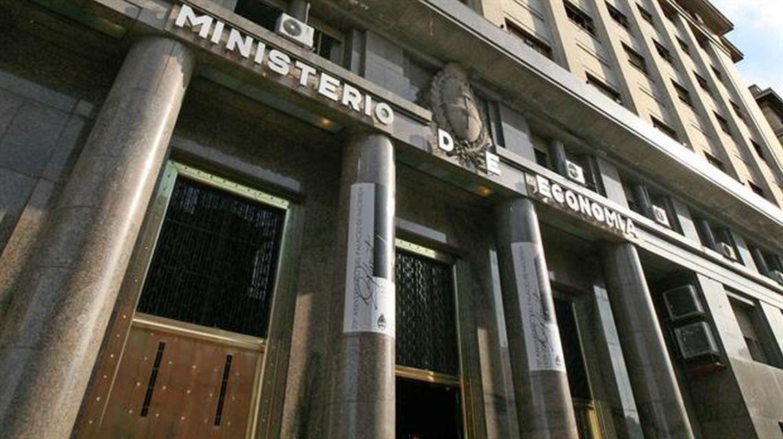 debito argentina posticipo scadenze obbligazioni letes