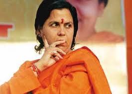 शंकराचार्य और हिंदू संगठनों के विरुद्ध खड़ी हुईं उमा भारती