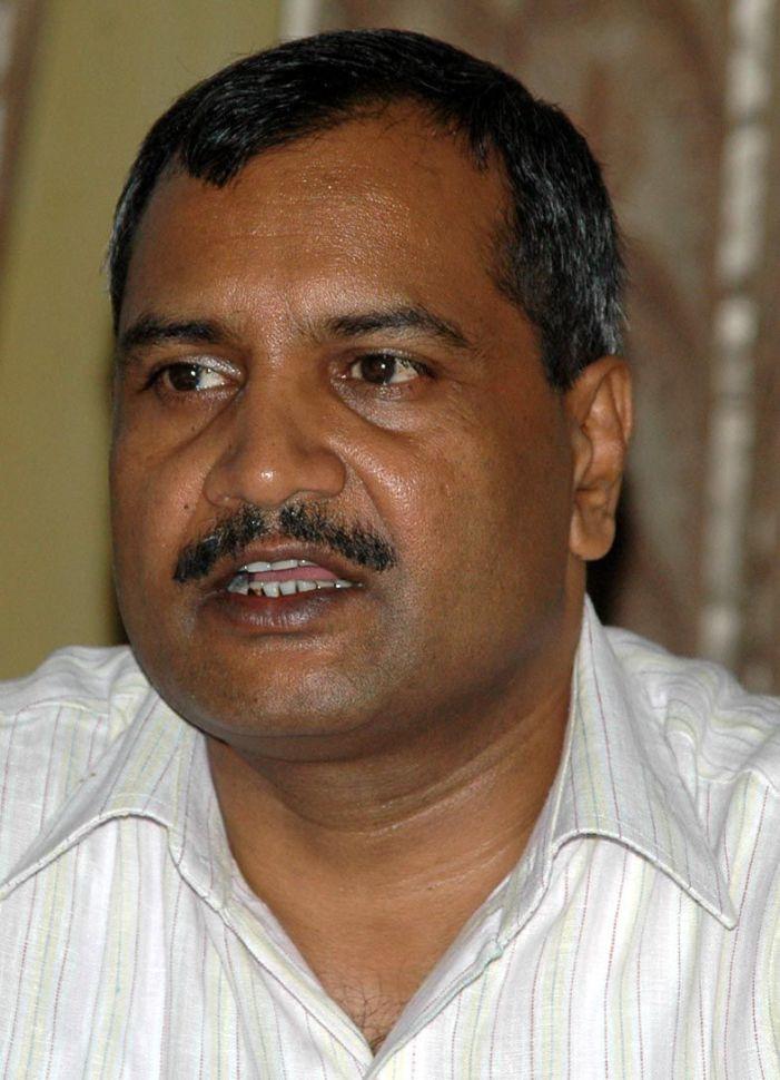 प्रभारी डीएम का भी विकेट गिरा, नये एसएसपी ने चार्ज संभाला