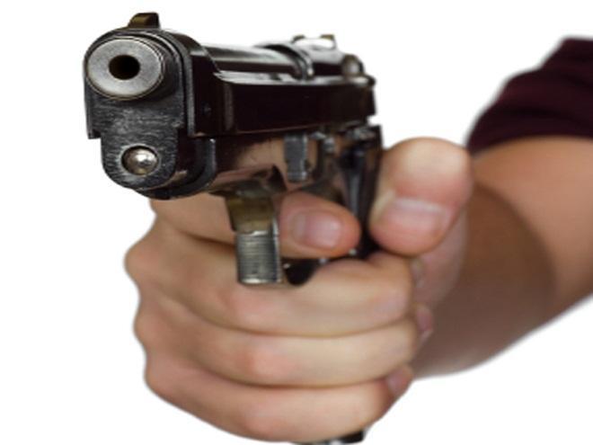 मुख्यमंत्री की चेतावनी के बाद भी नहीं हुआ सुधार, सर्राफ को मारी गोली