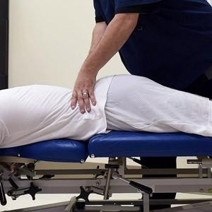 ניתוח גב אנדוסקופי או ניתוח רגיל