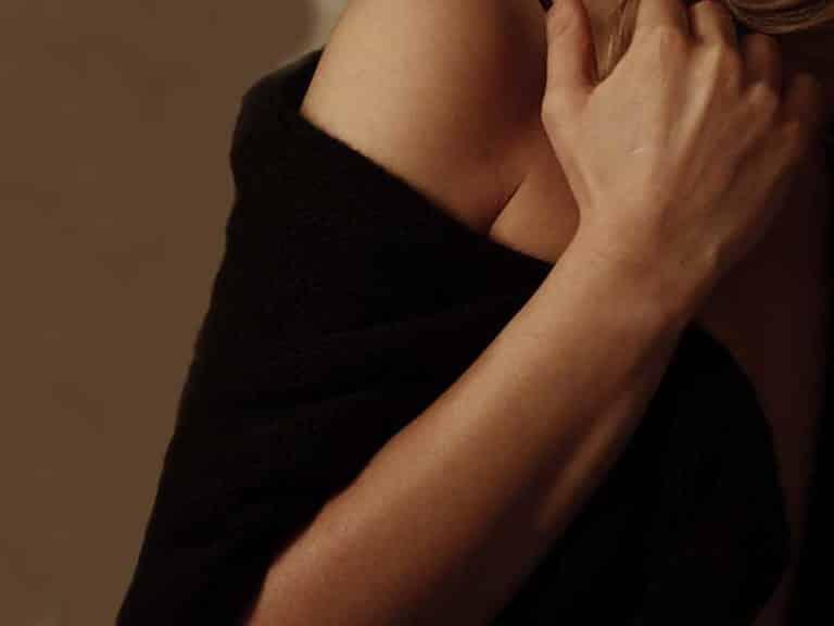 כאבים בזרוע מאחור מה גורם להם