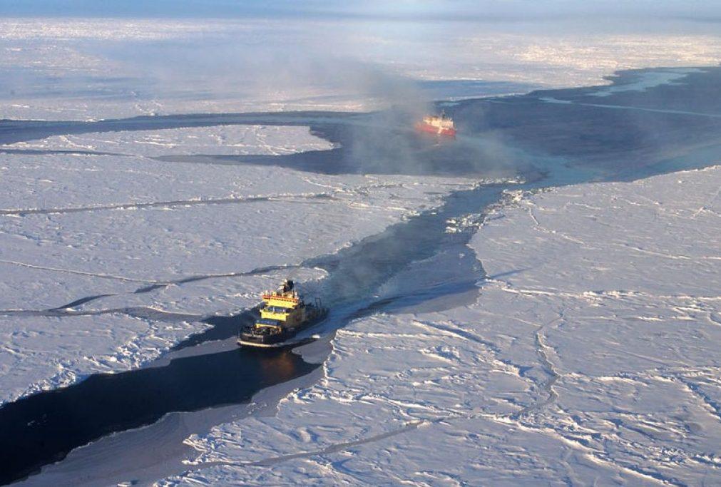 arctic ice packgawkiggeeks