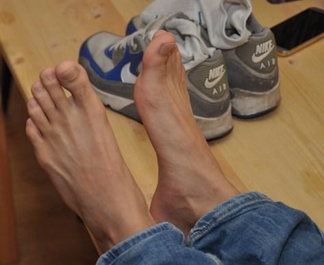 arab feet 00010