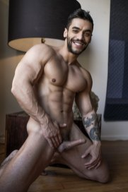 arad-winwin-persian-bodybuilder-9