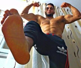 pectoraux-homme-arabe-oh320zP5Q51v5iy4do1_500-2