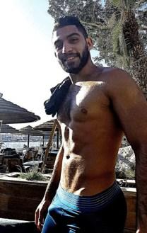 pectoraux-homme-arabe-p94o670BTx1x6dyw1o1_540