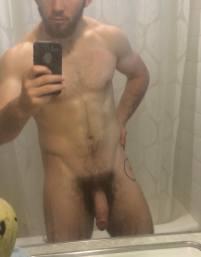 selfie arab nude 32