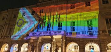 Torino Pride, migliaia di persone in strada. Polemiche sul candidato di centrodestra Damilano