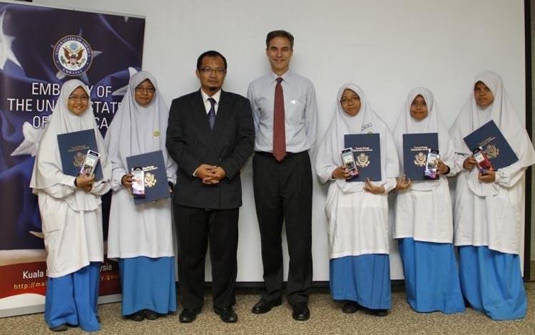 U.S. Ambassador Paul W. Jones with team from Al Amin Madrassah School Bangi