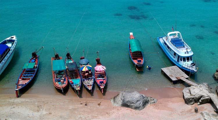 The pier to Koh Nang Yuan and Koh Tao