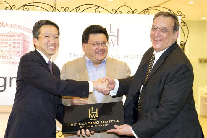 L-R - Mr.Philip Ho, Dato' Mark Yeoh and Mr. Carl Kono