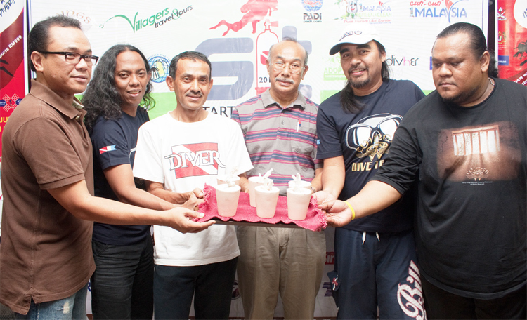 Haji Edros Yahya and rock group Wings showed their support during the S.I.T programme by adopting corals