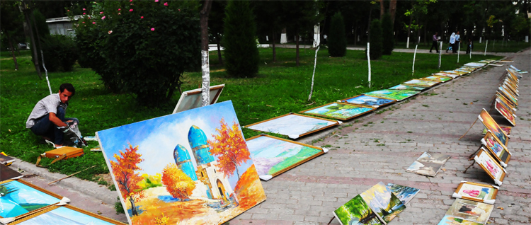 Paintings on sale at Broadway close to The Independce Square