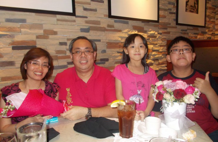 Victor Wong with Family - Proud Winners!
