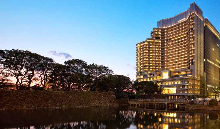 Palace Hotel Tokyo at Dusk