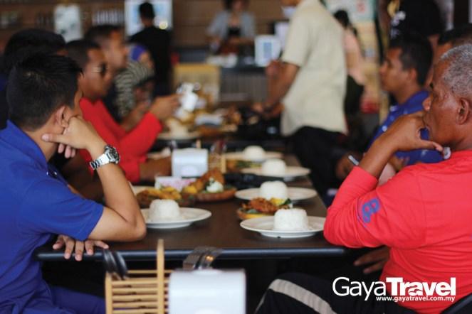 Let's enjoy Ayam Penyet AP!