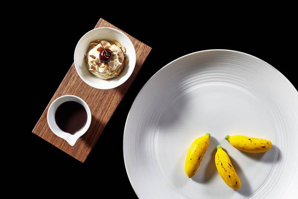 Cathay Pacific Airways has joined with Mandarin Oriental Hotel Group for in-flight dining - Banana Split (Strawberry, Chocolate, Vanilla, Cream, Cherry)