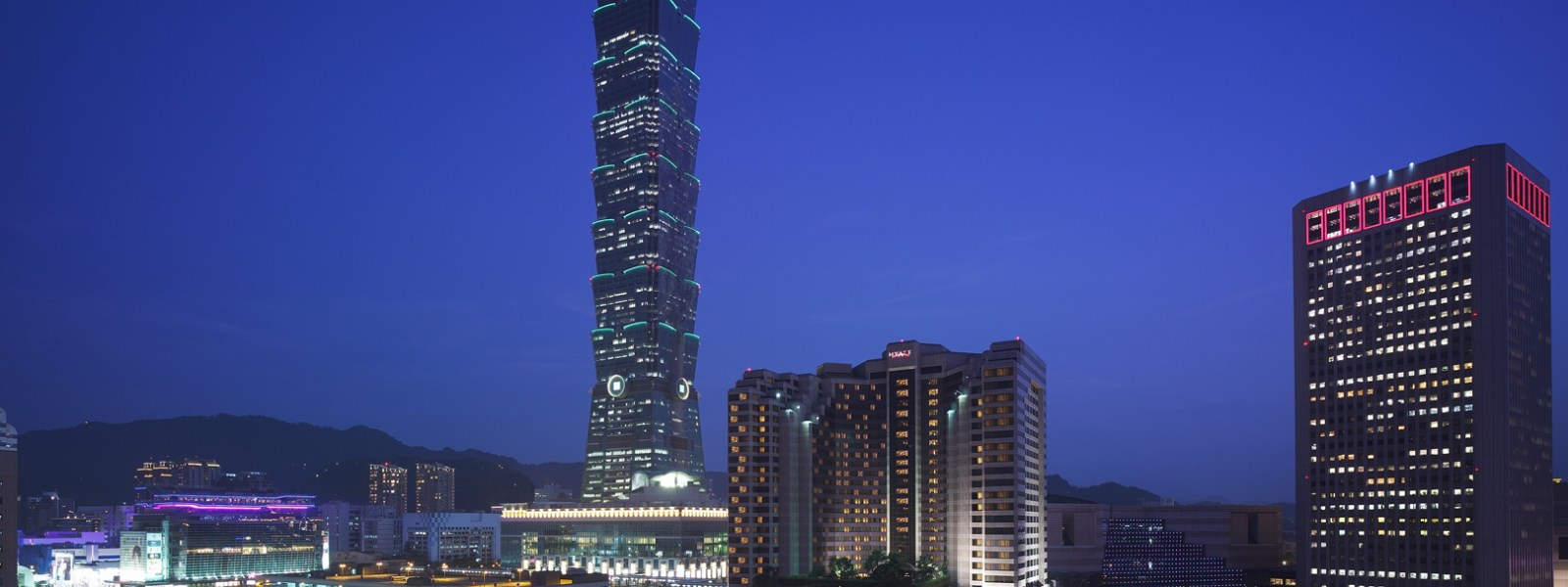 What to Do with An Hour in Taipei