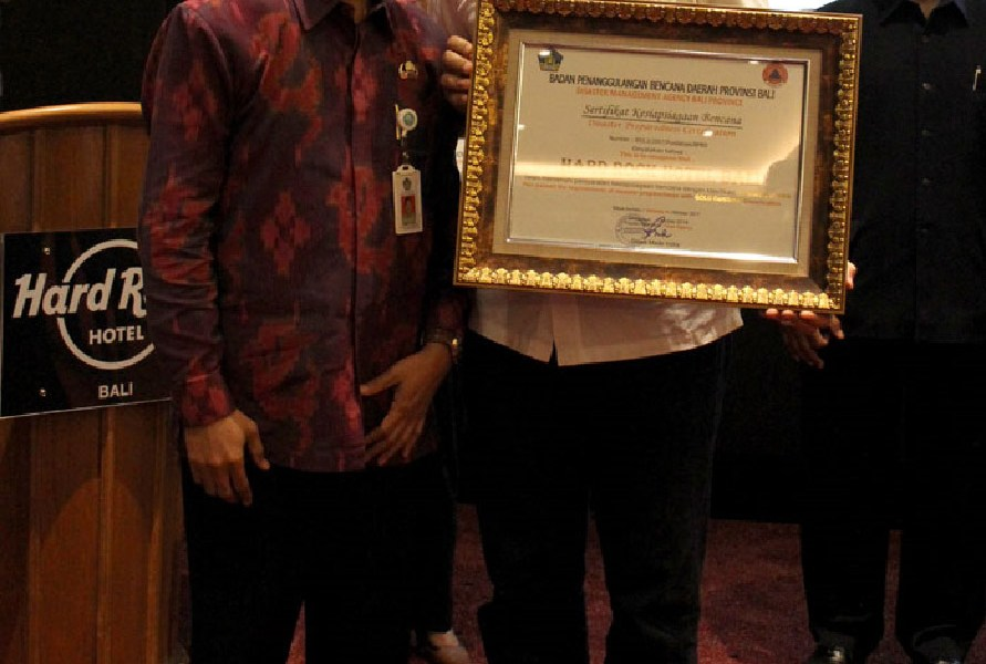 Hard Rock Hotel Bali Received Gold Trophy In Tsunami Certification Award
