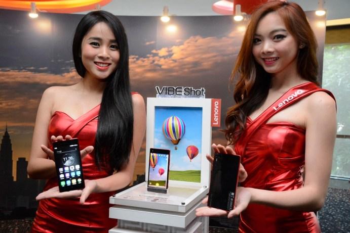 Models showcasing the Lenovo VIBE Shot during the media event