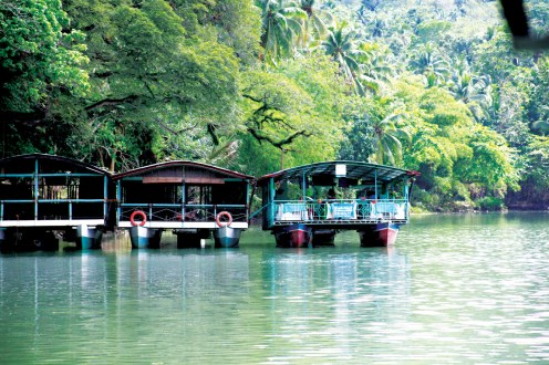 Loboc River Floating Restaurant