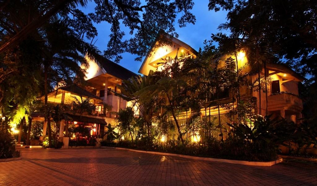 Hotel Tugu Malang, Surreally Monumental
