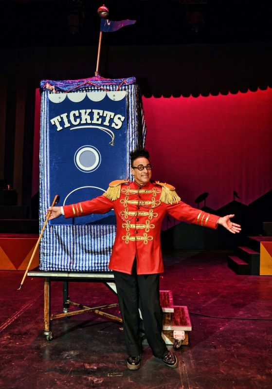 Psycho Circus in Genting A blend of comedy and magic by 'Misfit Magician' Ed Alonzo