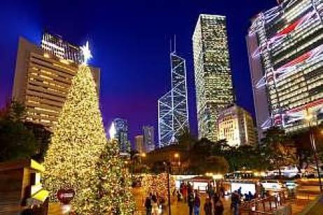 hk-winterfest_statue-square-christmas-tree
