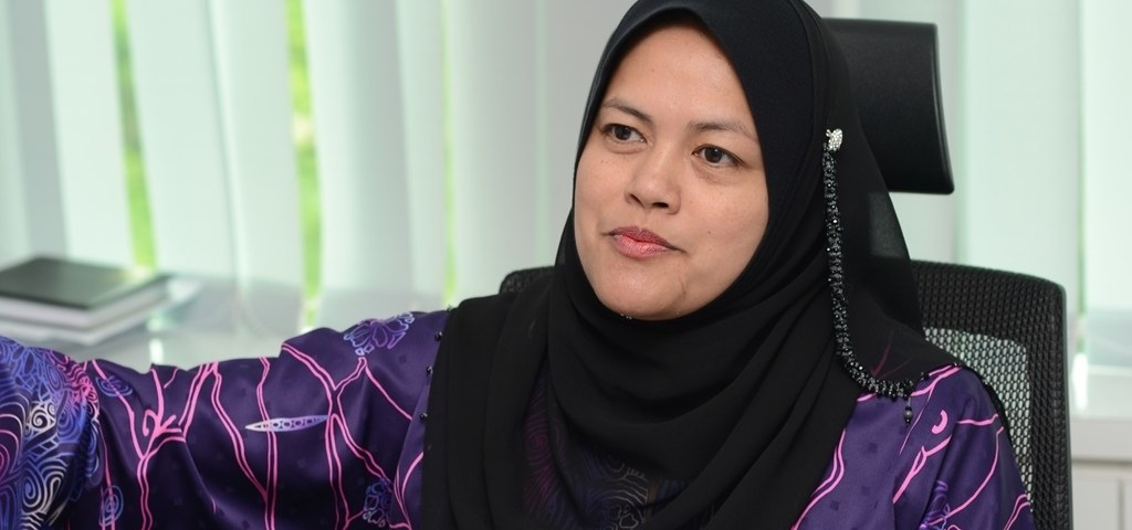 YB Dato' Nolee Ashilin binti Mohammed Radzi