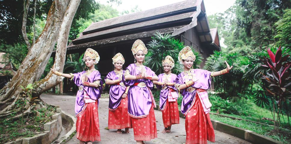 Grooving in Selangor, the Traditional Way