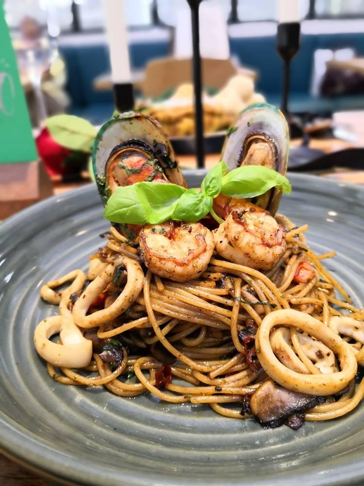 Seafood Aglio Oglio
