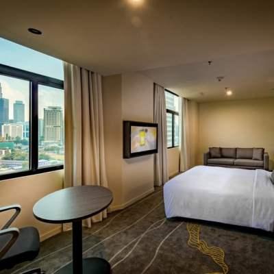 Hilton Garden Inn KL Room with KLCC view